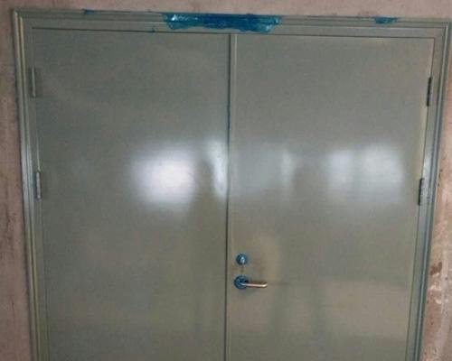 防火门闭门器的安装