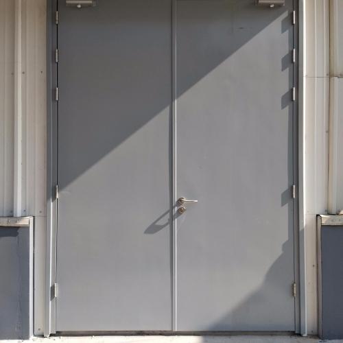 防火门的各个部件均具有防火特性
