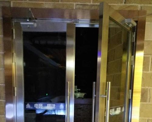 玻璃隔热防火门